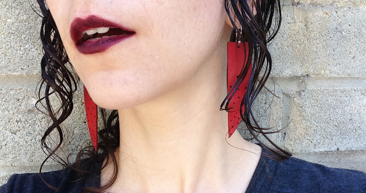 10 things I learned when I wore dark lipstick for 10 minutes.