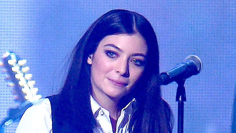David Bowie's son Duncan Jones thanks the Lorde for tribute to his father.