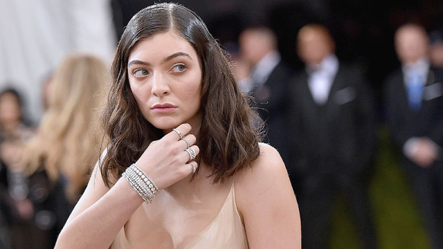 Lorde's Grammys gown carried a not-so-subtle message.