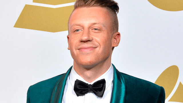 Macklemore got a new haircut and he promises Twitter this one isn't racist.