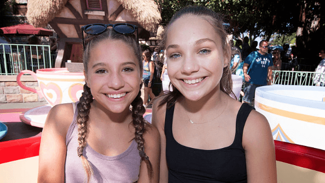 maddie and mackenzie ziegler celebrate fourth of july