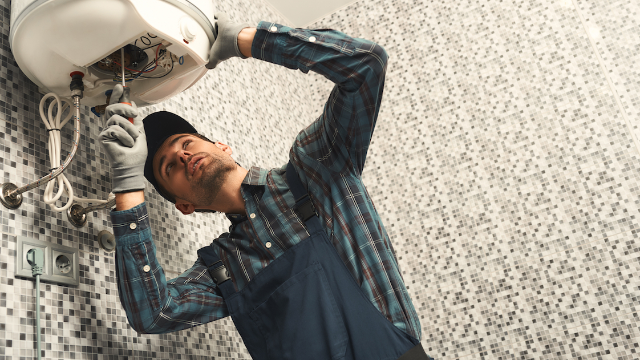 Maintenance workers share the most bizarre and NSFW things they've seen in people's homes.