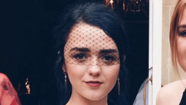 Maisie Williams gives sexist article about her lack of bra a much more informative headline.