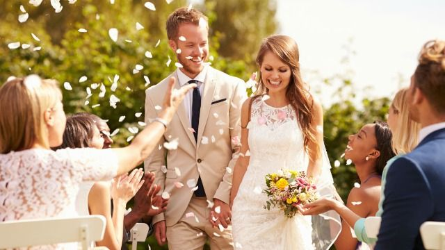 Man asks if he was wrong to force wife to change out of white dress for uncle's wedding.