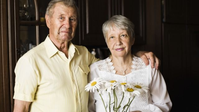 Man asks if it's okay to invite grandparents who don't support gay cousins to wedding