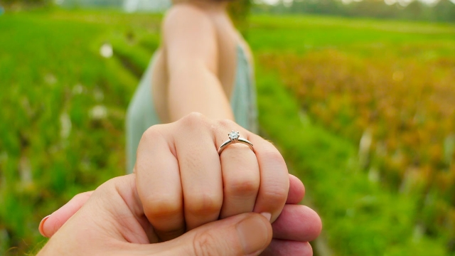 Guy proposes to girlfriend with ring he'd been hiding next to their bed for three years.