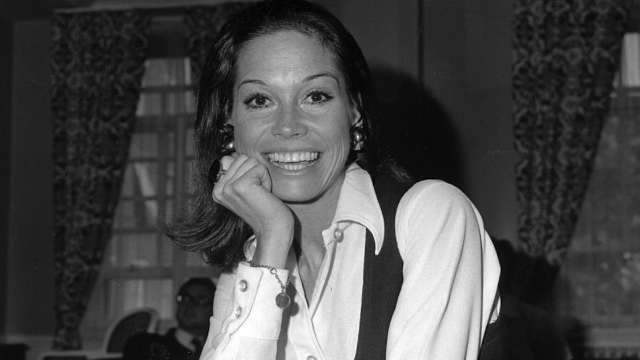 TV legend Mary Tyler Moore has passed away at age 80.