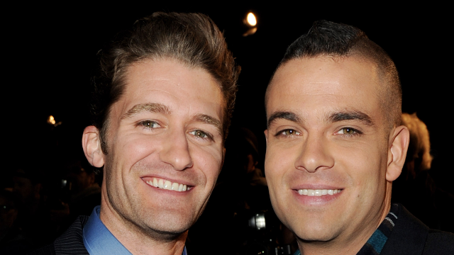 'Glee' star Matthew Morrison's photo acknowledging Mark Salling's suicide sets commenters on a frenzy.