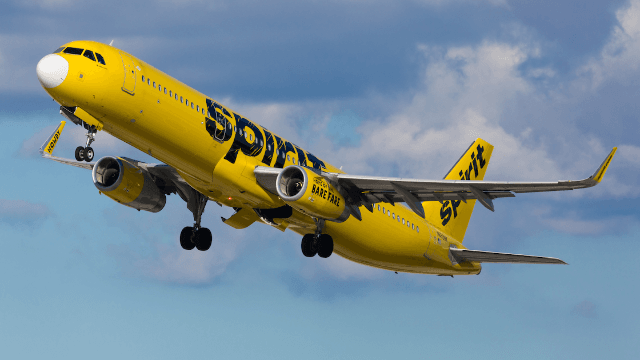 Breast-feeding mom kicked off Spirit Airlines: 'They treated us like criminals.'
