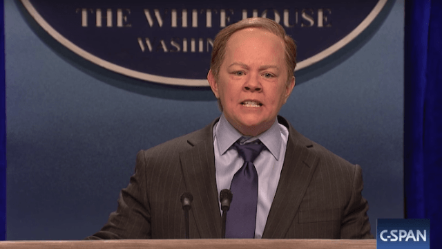 Melissa McCarthy channels angry Sean Spicer in surprise 'SNL' appearance.