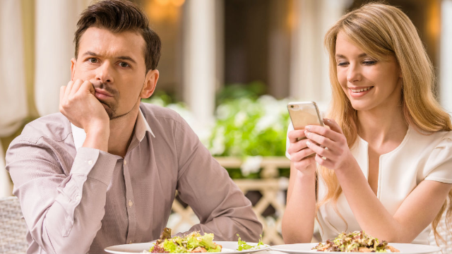 18 men reveal how women ruined their chances for a second date. Don't bring up your brother in jail.