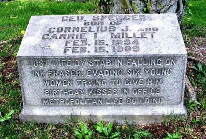 12 deathly funny gravestones and epitaphs.