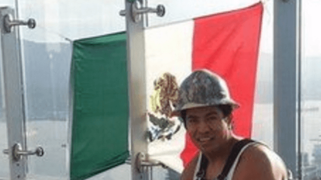 Construction Worker Trolls The Donald By Hanging Mexican Flag On Top Of Trump Tower In Vancouver
