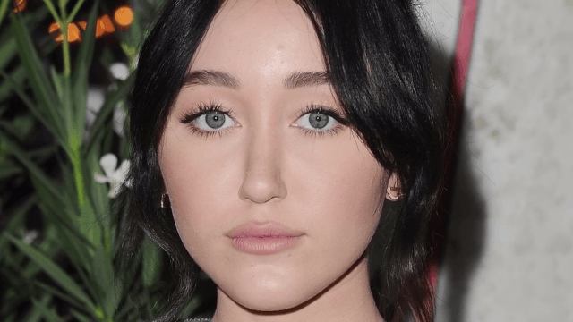 Miley's little sis Noah Cyrus' first single sounds a lot like Miley.