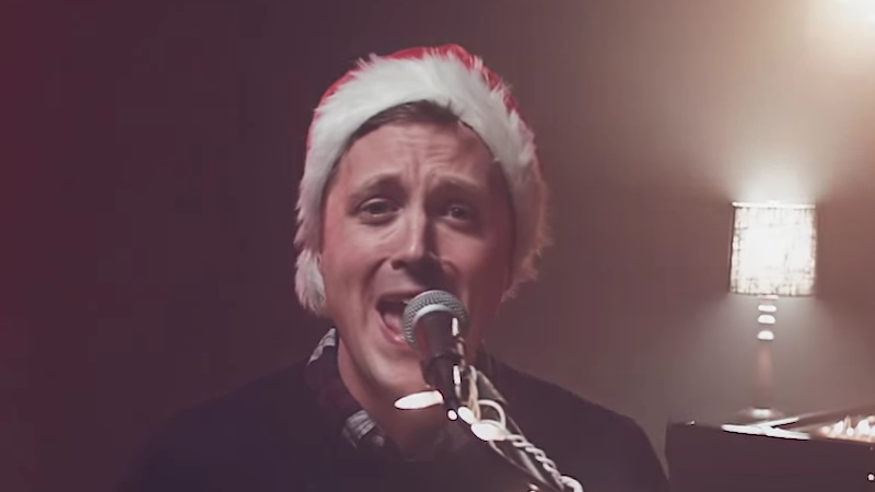 This Guy Played 'All I Want For Christmas' In A Minor Key, And It ...