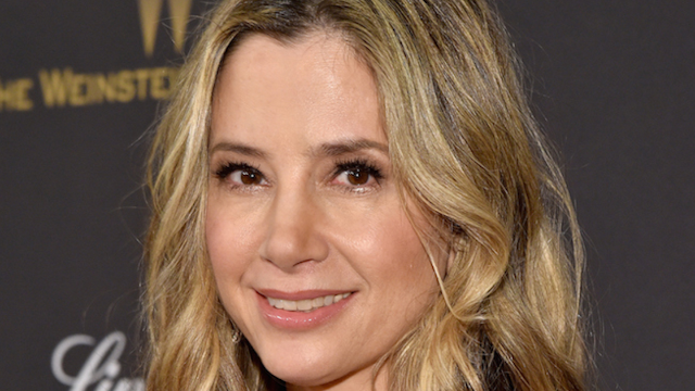Mira Sorvino wrote an open letter to Dylan Farrow saying she believes her.