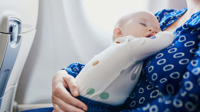 Mom-of-two shares how three strangers stepped in to help her during nightmare flight.