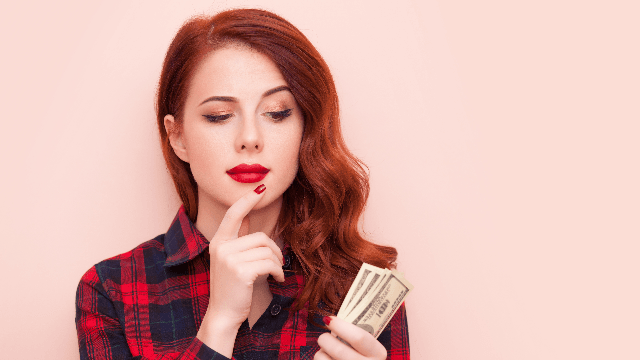 This genius is trying to make money on Tinder and it just might work.