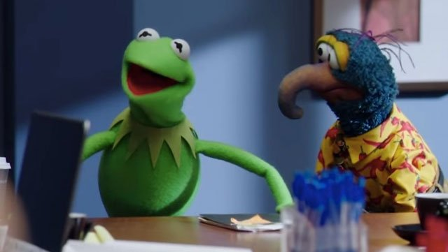 The trailer for the Muppets' new TV show is here, and it features a younger, sexier pig lady.