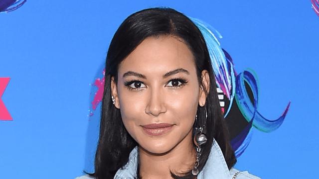 'Glee' star Naya Rivera arrested for domestic battery against husband.