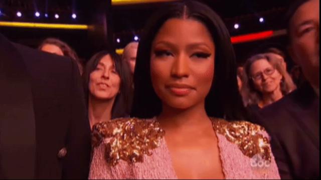 People think Nicki Minaj threw shade at J.Lo at last night's AMAs. Feud or facial expression?