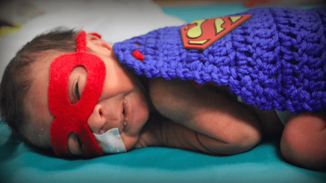 NICU nurse dresses up newborn babies as the world's tiniest superheroes.