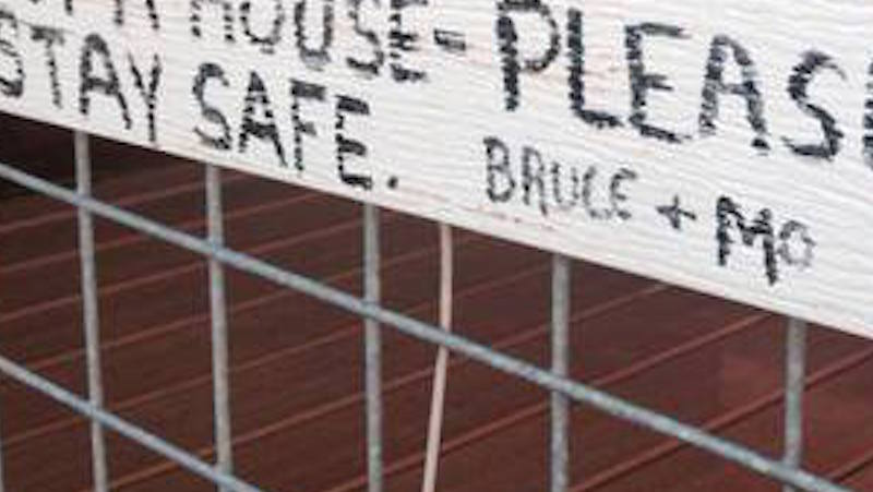 Couple fleeing wildfire area left a really nice note on their house for firefighters.