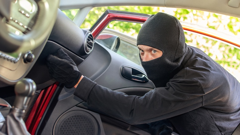 A guy left a note in his glove box in case his car was stolen. It actually worked.