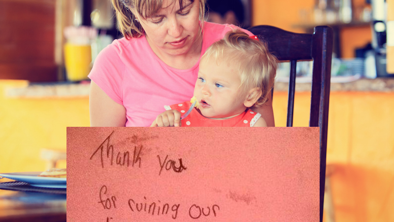 A mom got a note from strangers saying her kid ruined their dinner. The restaurant took a side.