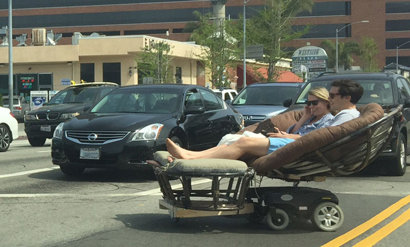 Los Angeles is getting trolled by a brilliant couple with a motorized papasan chair.