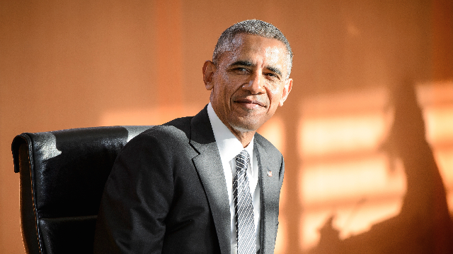 Obama's photographer shares perfect photo of Obama in response to Trump ending DACA.