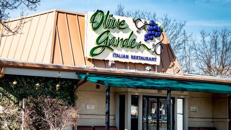 Former Manager Of The Worlds Largest Olive Garden Shares His