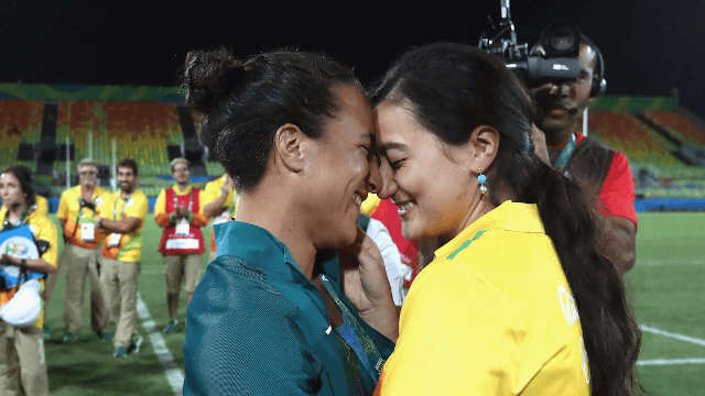Olympian gets engaged to her girlfriend on the field and wins the gold in tearjerking.
