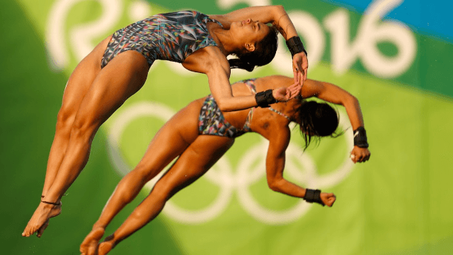 Olympic diving team splits up after a marathon sex session comes between them.