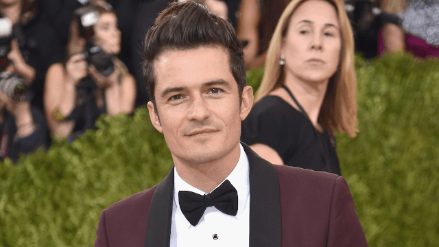 The 18 thirstiest tweets about Orlando Bloom's naked paddleboarding pics.