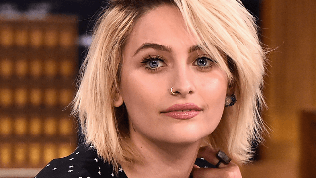 Paris Jackson goes makeup-free on the red carpet, proves she's genetically blessed.