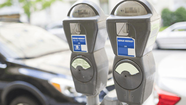 Guy pays someone's expired parking meter, leaves extremely business savvy note.