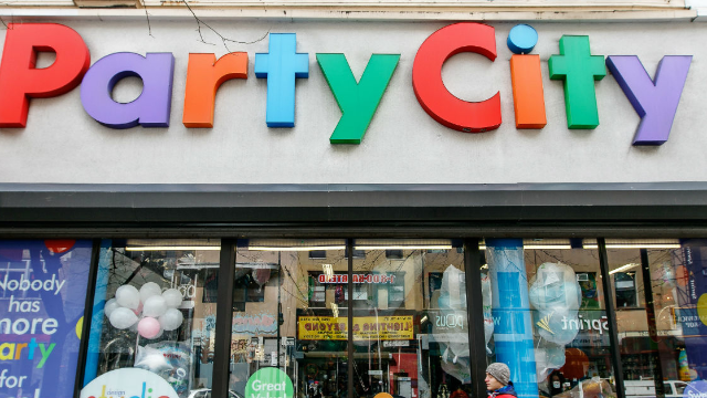 Party City apologizes after pulling ad that offended people with gluten allergies.