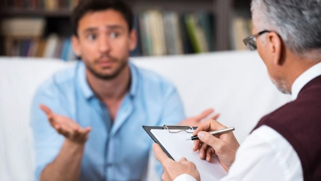 Patient asks if it's wrong to leave therapist a bad review after he cut session short.
