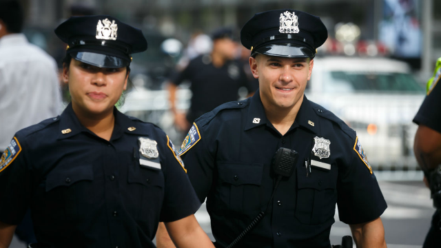 18 police officers share moments when people could've gotten off if they had just shut up.