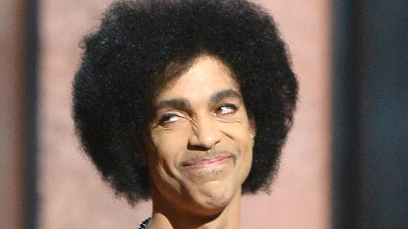 Prince tweeted his new passport photo and it's the most Prince thing you've ever seen.
