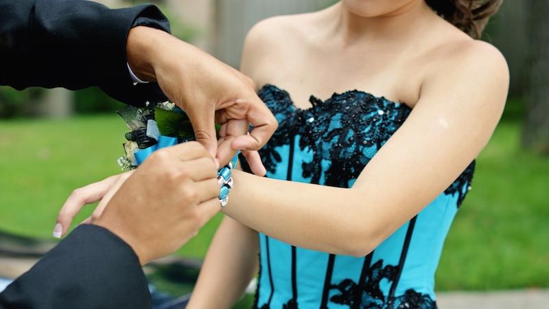 Teen gets heavy revenge on cheapskate boyfriend who dumped her a week before prom.