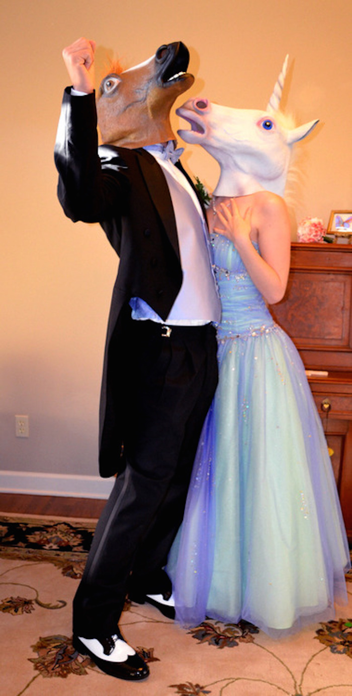 15 prom photos that are so mortifying, they'll make you glad to be an adult for once.