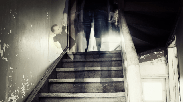 17 People Told Us About Their Real Life Encounters With Ghosts And Now We Cant Sleep
