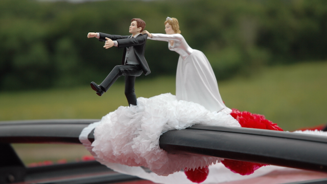 14 people dish on attending weddings that were called off mid-ceremony. Love hurts.