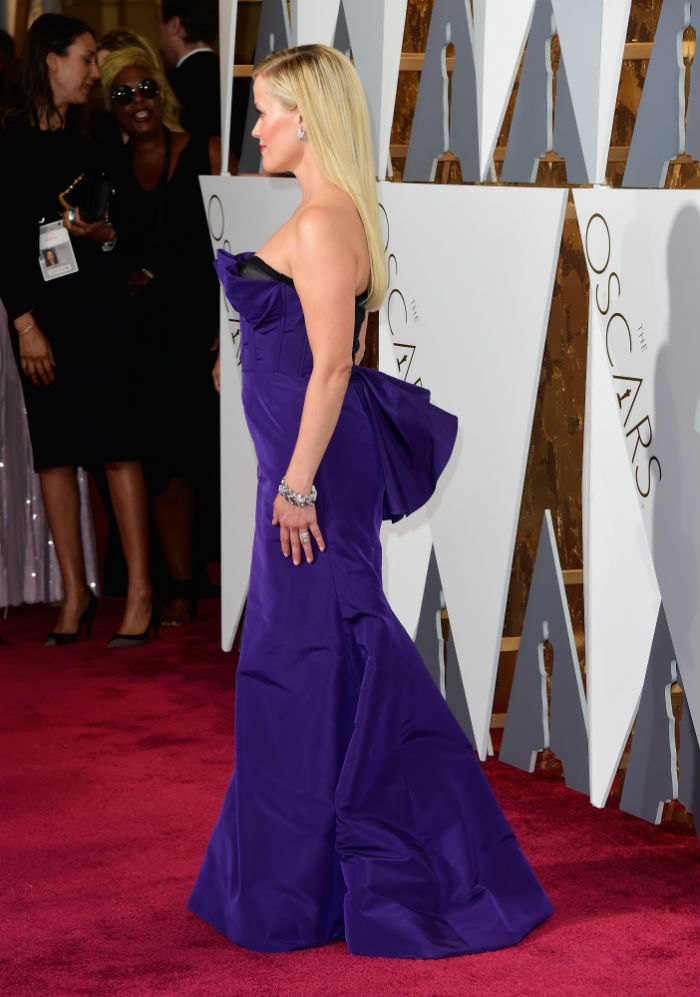 13 celebrities who may be firing their stylists after last night's Oscars.
