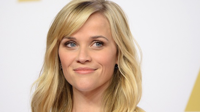 Reese Witherspoon thinks this cat looks exactly like her. Do you see it?