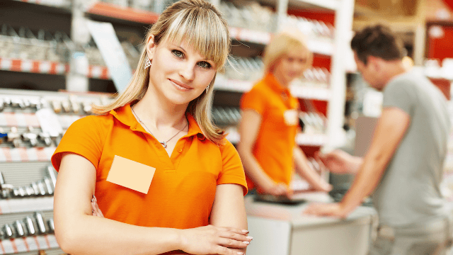 17 retail employees share secrets they wish customers knew about shopping.