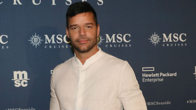Ricky Martin got butt naked on Instagram and the internet went loca.
