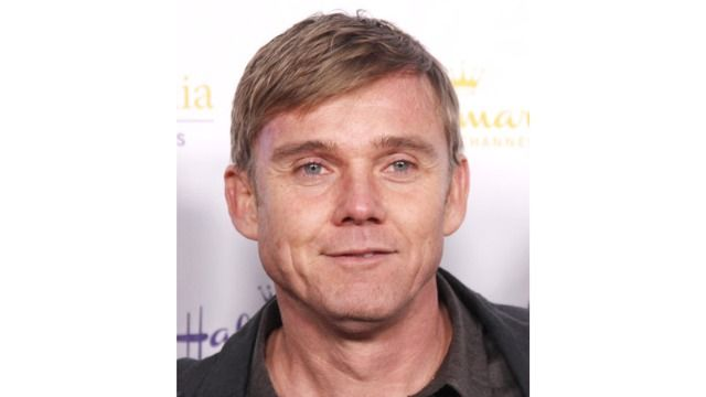 People react to Ricky Schroder harassing Costco employee over mask policy.